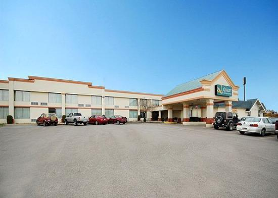 Photo of Quality Inn & Suites Clarion