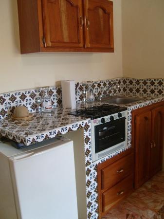 Hotel Suites Las Nereidas: Kitchen
