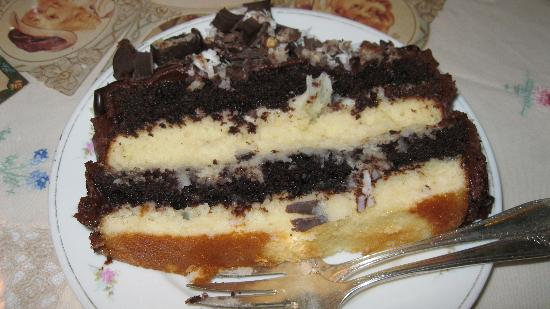 Cotillion Southern Cafe: Terrific Cake!