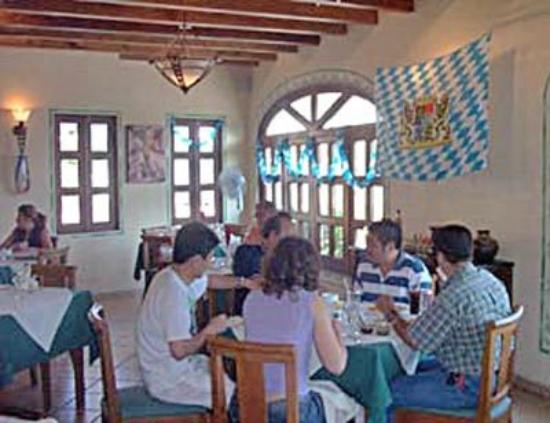 La Pergola: Restaurant