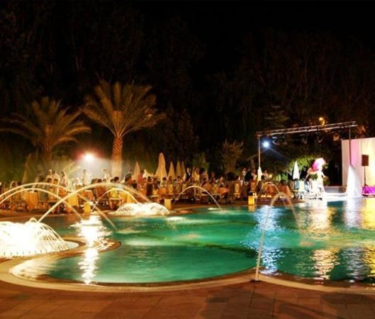 Mansour Eddahbi - Palais des Congres: Pool