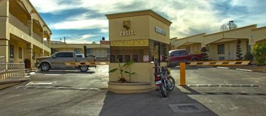 El Cason Hotel and Suites : Exterior