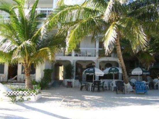 Corona del Mar Hotel & Apartments: Exterior