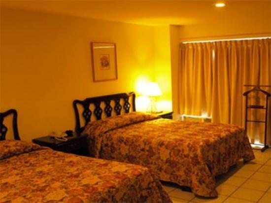Gran Hotel Paris: Room