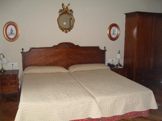 Gran Hotel Pelayo: Habitación