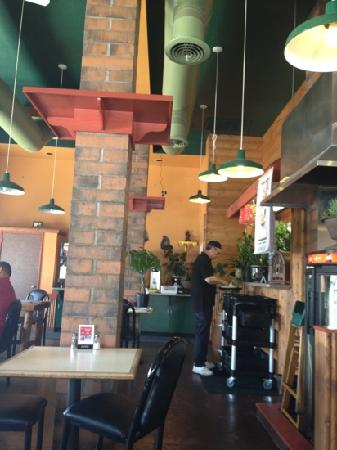 Thai China Bistro: comfy, casual well-done atmosphere