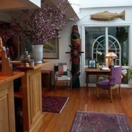 Sooke Harbour House: Interior
