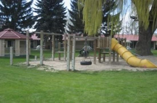 Okanagan Seasons Resort: Playground