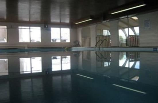 Okanagan Seasons Resort: Pool