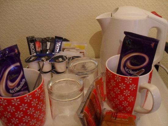 The Chantry Hotel: Fully stocked tea tray