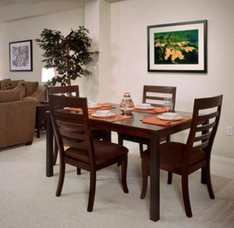 Oakwood At Cenizo Flats: Dining Room