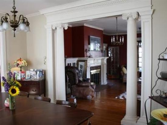 The Olde Square Inn: Other Hotel Services/Amenities