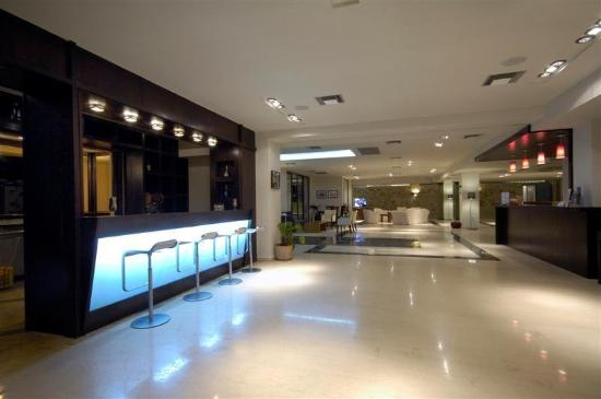 Asterion Hotel Suites and Spa: Bar