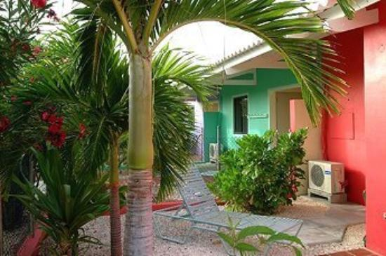 Bonaire Happy Holiday Homes: Exterior