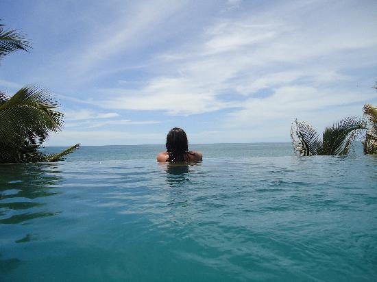 Hotel CasaBarco: Piscina con vista al mar