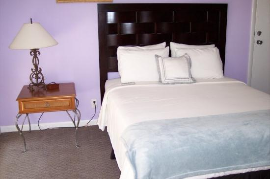 Cheston House Gay Resort: Queen Suite 2 Beds
