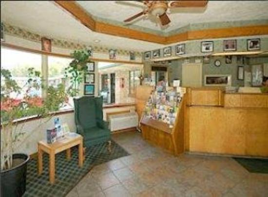 Drake Motel: Interior