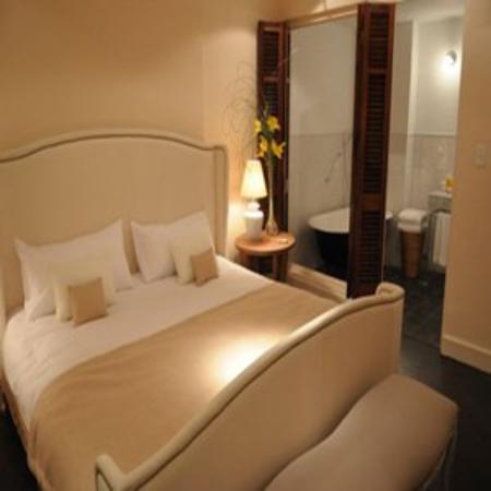 Ultra Hotel: Suite 11