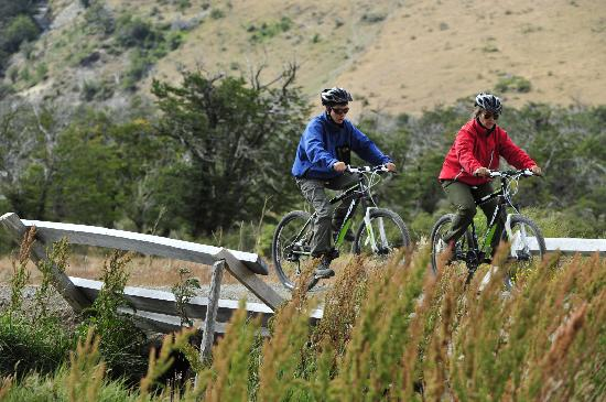 The Singular Patagonia: Bike in Laguna Sofia