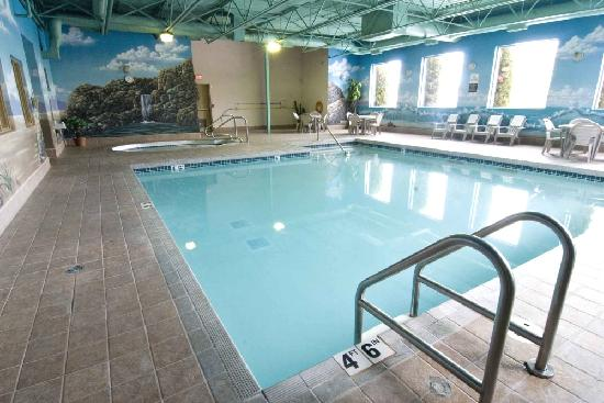 Best Western Plus Sunrise Inn: Enjoy the hotel's indoor pool