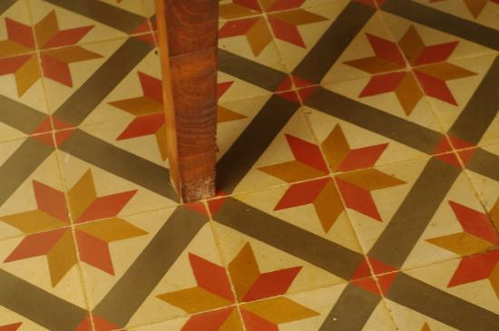 Can Bayre: Beautiful old tiles