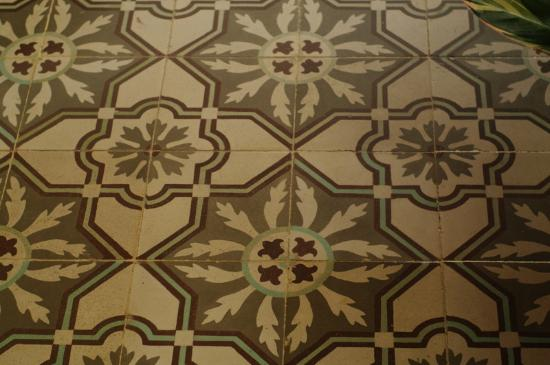 Can Bayre: And more tiles