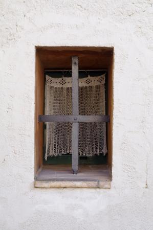 Can Bayre window