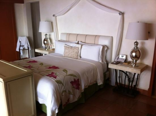The St. Regis Punta Mita Resort : beautiful bedroom