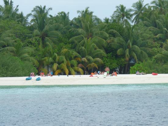 Asdu Sun Island: Island from the water