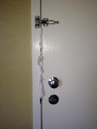 The Westin St. John Resort Villas : Loud Door