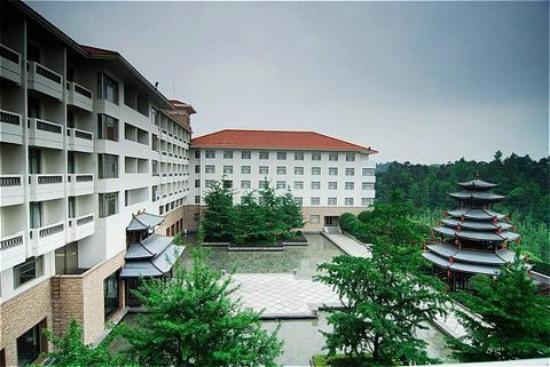 Merryland Resort Hotel: Exterior view