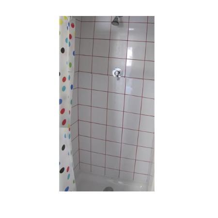 Hostal Athenas: Shower