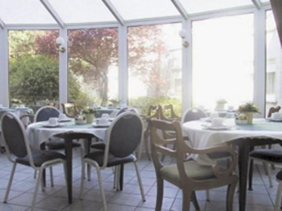 Logis Le Normandie : Breakfastroom
