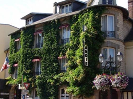 Logis Le Normandie : Exterior view