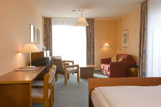 Hotel Gästehaus Forum Am Westkreuz: Guest room