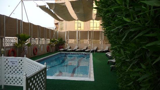 Arabian Courtyard Hotel & Spa : The Pool