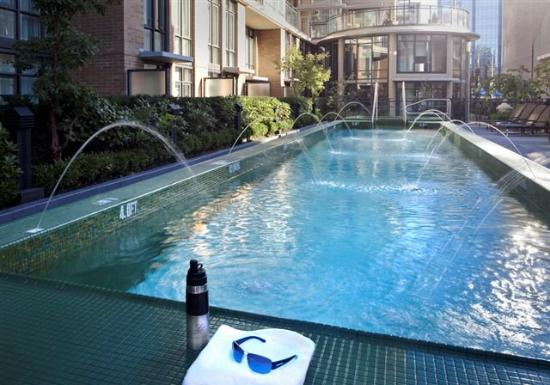 L'Hermitage Hotel: Salt Water Outdoor Pool