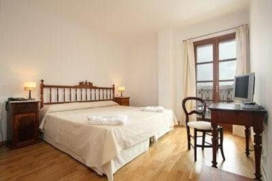 Cal Lloro Hotel: Guest Room