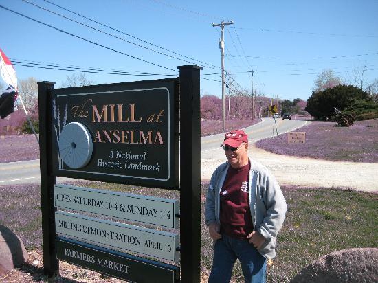 The Mill at Anselma: entrance