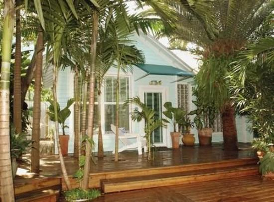 Pineapple Point Guest House and Resort : Exterior