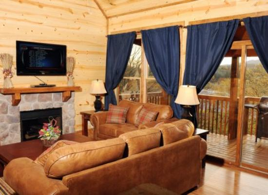 Big Bear Lodge and Resort: Premier Cabin
