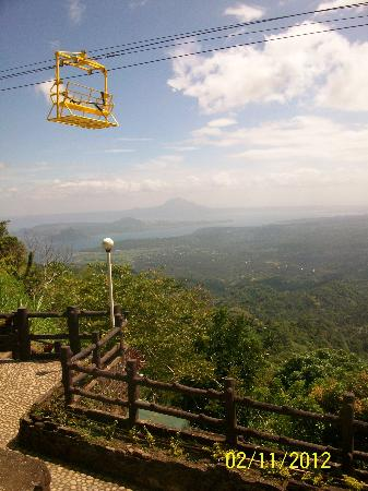 Residence Inn Tagaytay: zipline view from the room