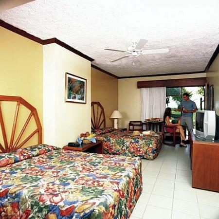 Fiesta Resort Time Share: Guest Room
