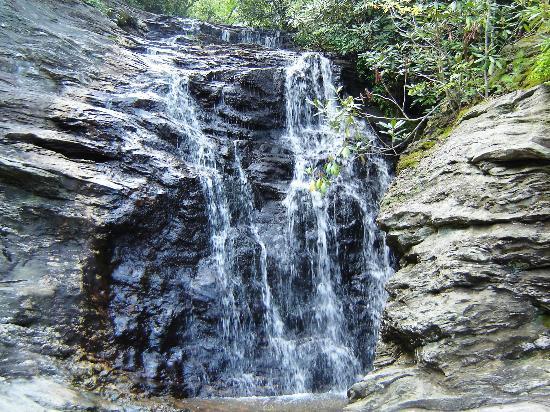 Upper cascades falls foto hanging rock state park for Cabine sospese di rock state park nc
