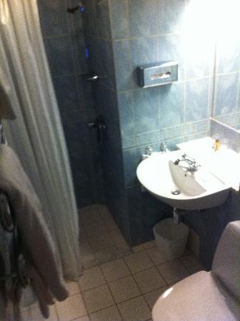 Hôtel Eggers : Small Bathroom