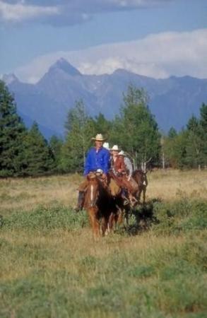 Three Bars Guest Ranch: Recreational Facilities