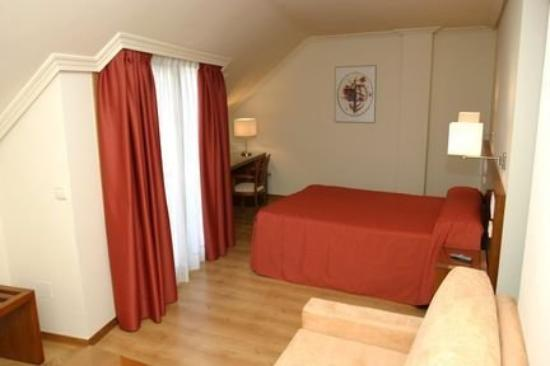 Photo of Hotel Ogalia Vigo