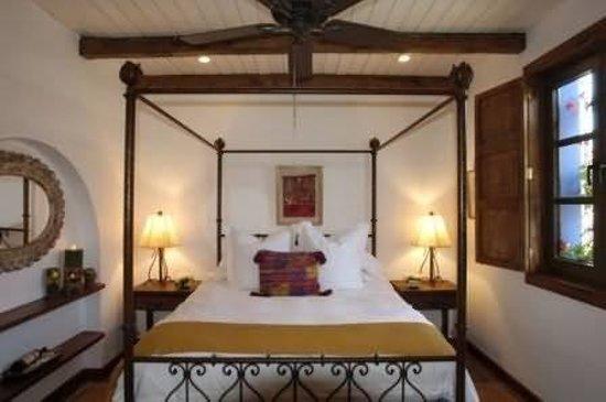 Casa Encantada: Guest Room
