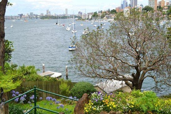 North Sydney, Australie : This is May GIbb's View from her home