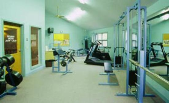 Fireside Inn & Suites at Lake Winnipesaukee: Fitness Center